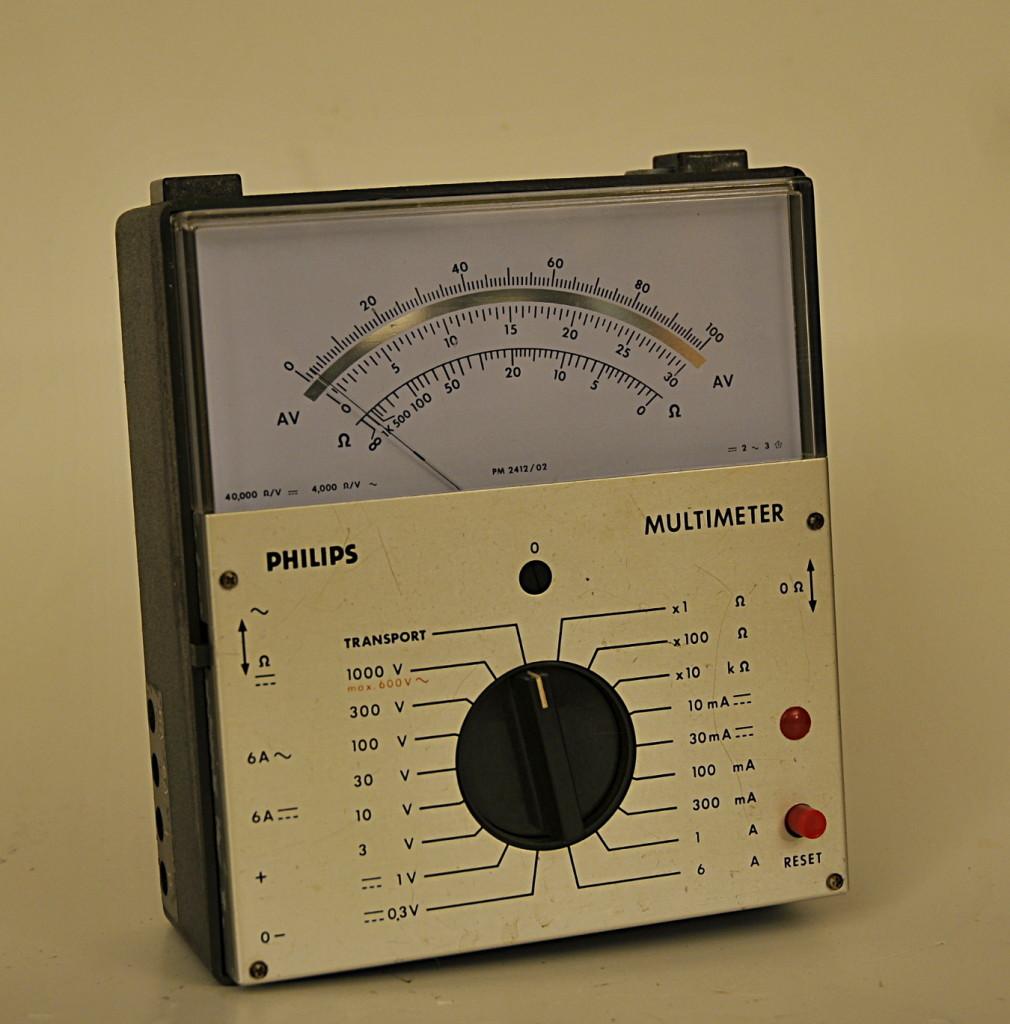 PhilipsPM2412_1